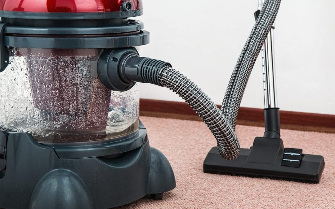 wet dry vac for cleaning up water damage