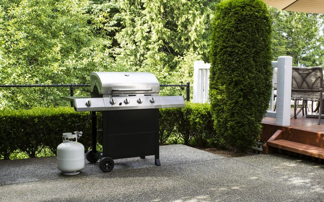 maintain a gas grill